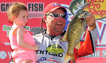 Brown's two-fish bag enough to seal PAA win