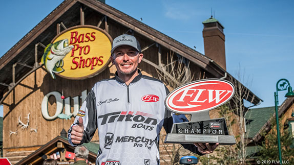 Tennessean wins Series event at Chick