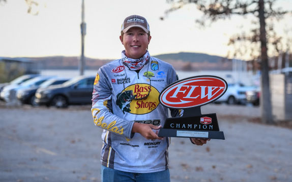 Huff notches second Toyota Series win of 2020