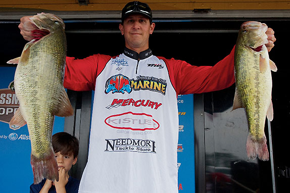 Johnson catches 20 1/2 to lead at Red