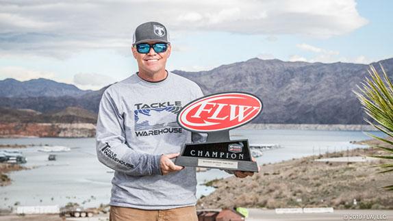 Klinger wins FLW Series event at Mead