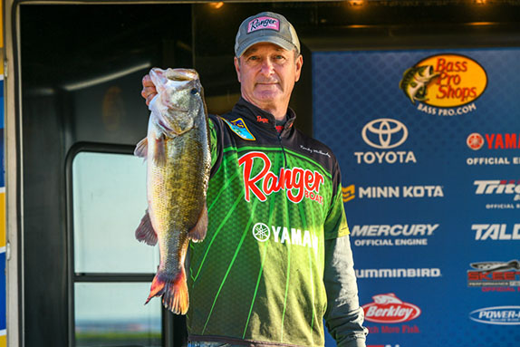 Texan leads at Toledo Bend Open