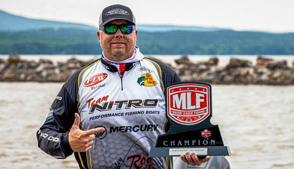 Oklahoma angler wins easily at Dardanelle
