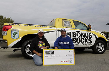 Auten's team wins Bonus Bucks event