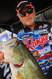 Biffle Blasts 20 In High Water, Leads Omori By 2 1/2