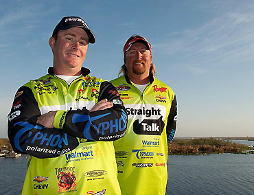 Straight Talk renews with FLW