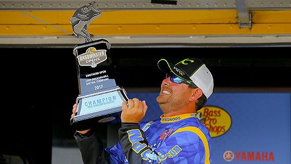 Cox claims victory at Chickamauga