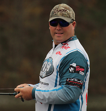 FLW pro Davis aligns with Mister Twister