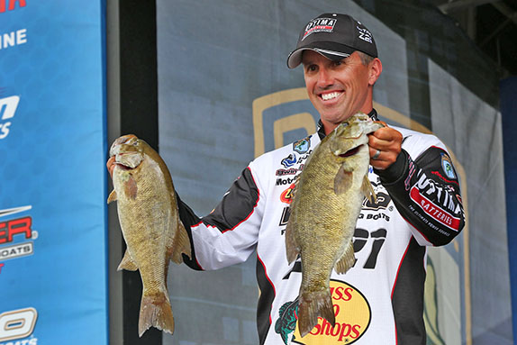 Evers Still Leads, Closes In On Elite Series First