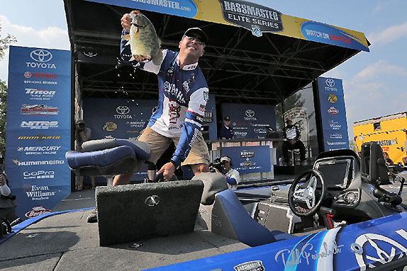 Faircloth Claims 5th Elite Win With 22-Pound Bag