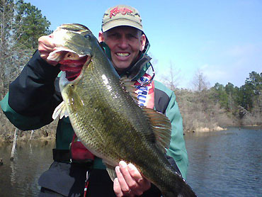 Hauser steps up to FLW Tour