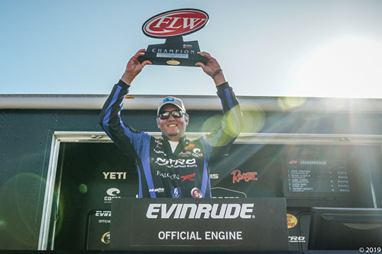 Hays prevails at Lake of the Ozarks