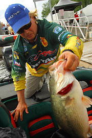 Horton Hurtles To Top, Leads With Nearly 46 Pounds