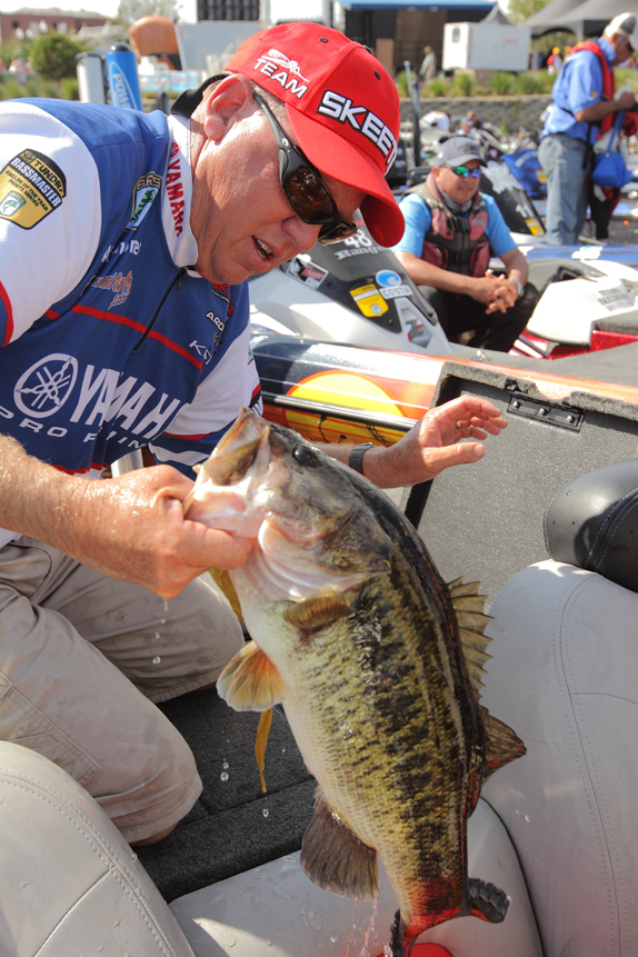 Stealth Mode, Fish Management Fueled Jones' Triumph