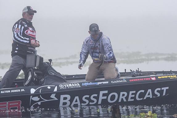 Major League Fishing/Garrick Dixon