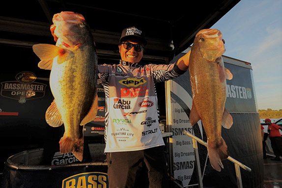 Kimura Catches Big Bag On Day 1 at Grand