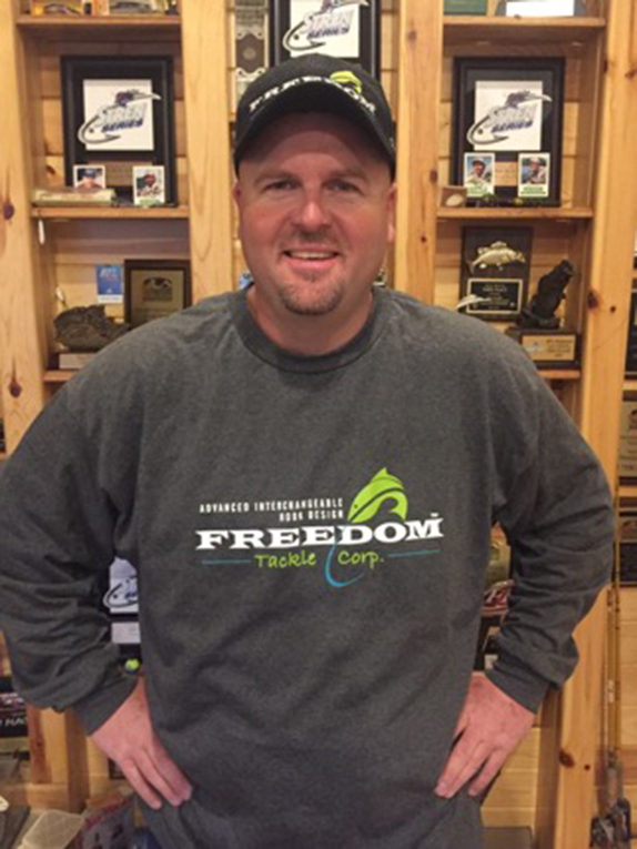 Freedom Tackle signs Lawyer
