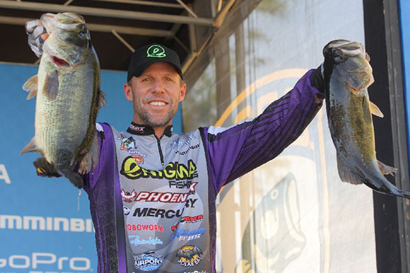 Martens Leads West Coast Contingent After Day 2