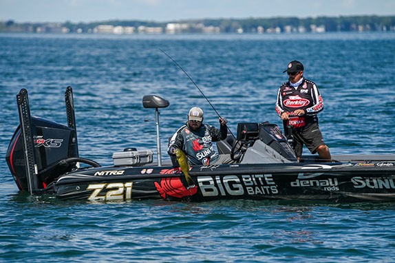 Neal Builds 19 1/2-Pound Lead On Opening Day