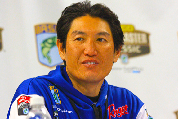 Omori Leads, But Many In Hunt To Start Final Day