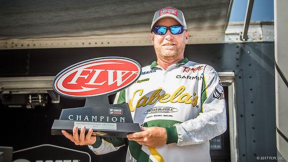 Ex-Elite pro Reynolds wins Series event at Texoma