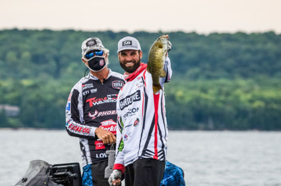 Shuffield Wins Knockout Round; Cox Survives