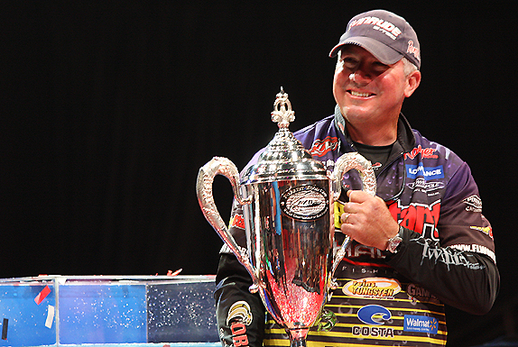 Tharp Catches 14 To Claim First Cup Title