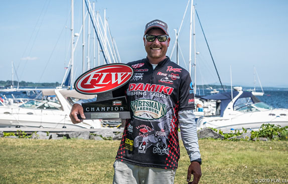 Thrift wins FLW Series event at Champlain