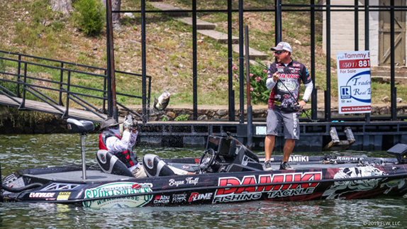 Thrift Retains Lead With 12-07 Stringer