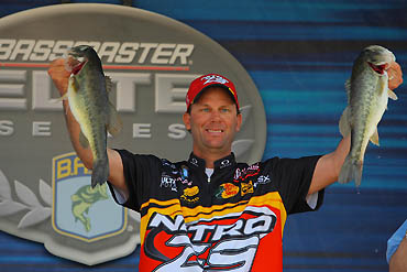 VanDam Extends His Lead With Another Mixed Bag