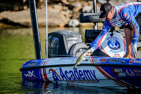Wheeler Boats 38 Fish To Dominate First Day