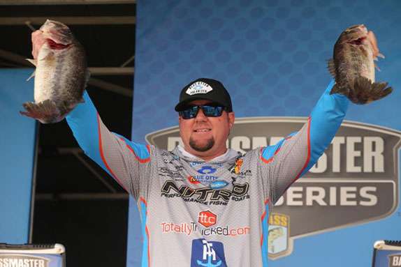 Williamson, Shryock Lead With 15-Pound Bags