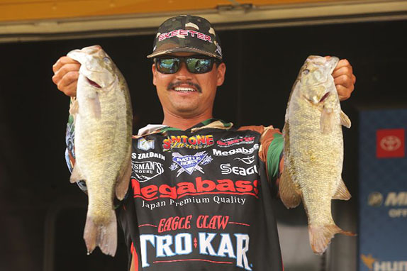 Zaldain Rides Smallmouth Pattern To Lead At Tenkiller